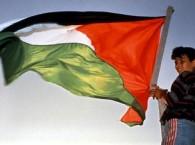Gutt_med_palestinsk_flagg