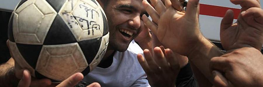 Den palestinske fotballspilleren Mahmoud Sarsak etter å ha blitt løslatt fra fangenskap i Israel